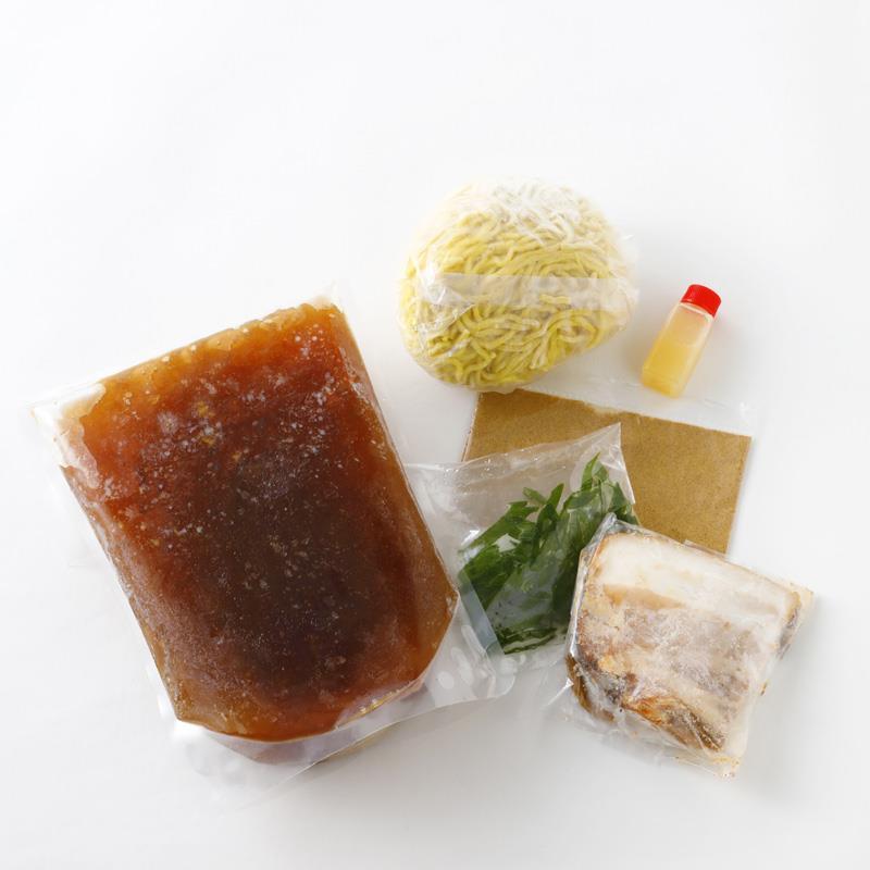リストランテナカモト<br>熟成醤油ラーメン
